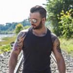 Como reconhecer um homem gay – O truque!